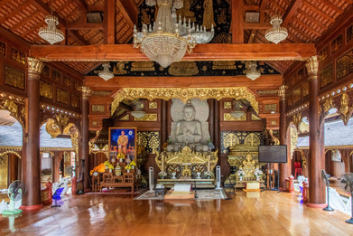 Kim Wealleans - 07-Inside part of Baan Kang Wat