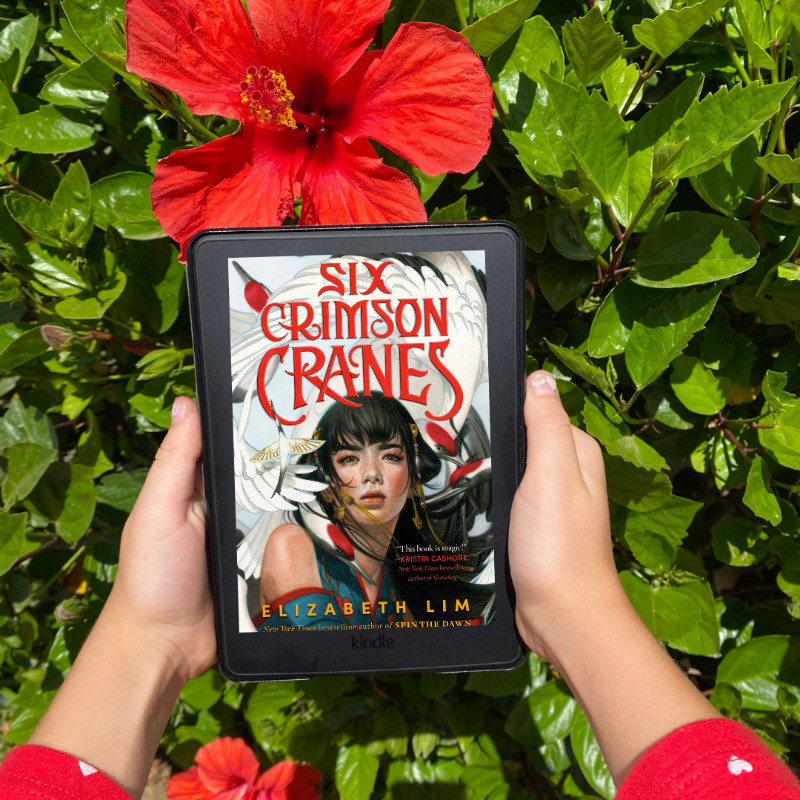 Book cover of Elizabeth Lim's Six Crimson Cranes