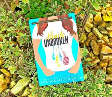 Cynthia Leitich Smith's Hearts Unbroken - Sara's Book Review