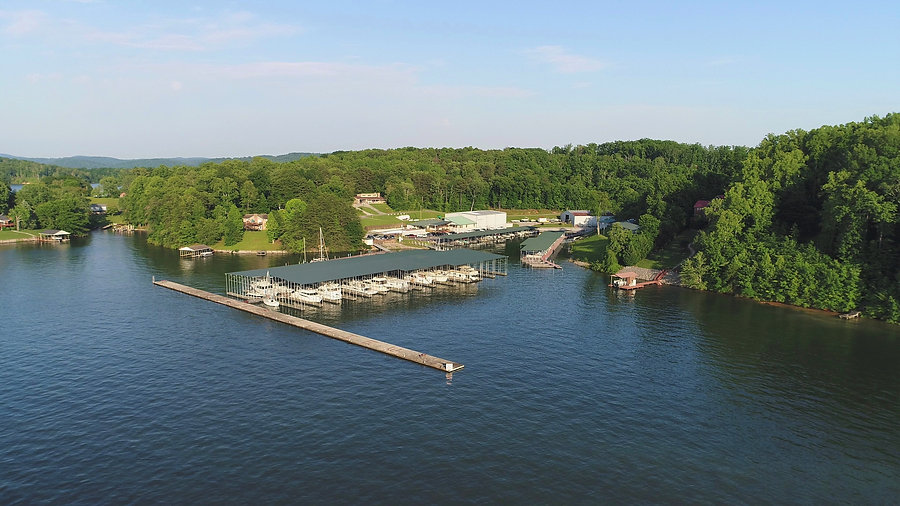 Aerial picture of a marina in chattanooga tennessee