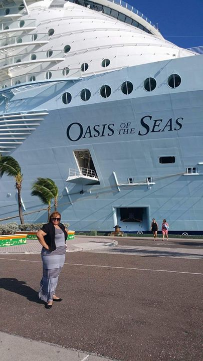 The Oasis is the largest ship sailing in the world.jpg  Three days will not be long enough to explor