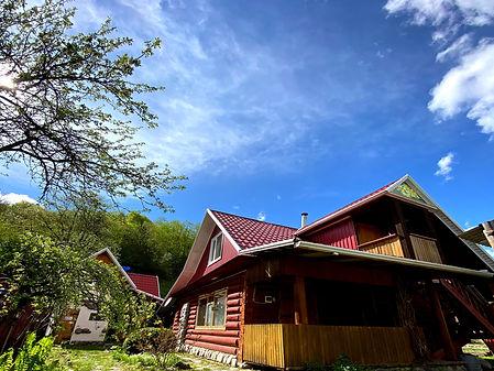Деревянный дом в поселке Рожкао