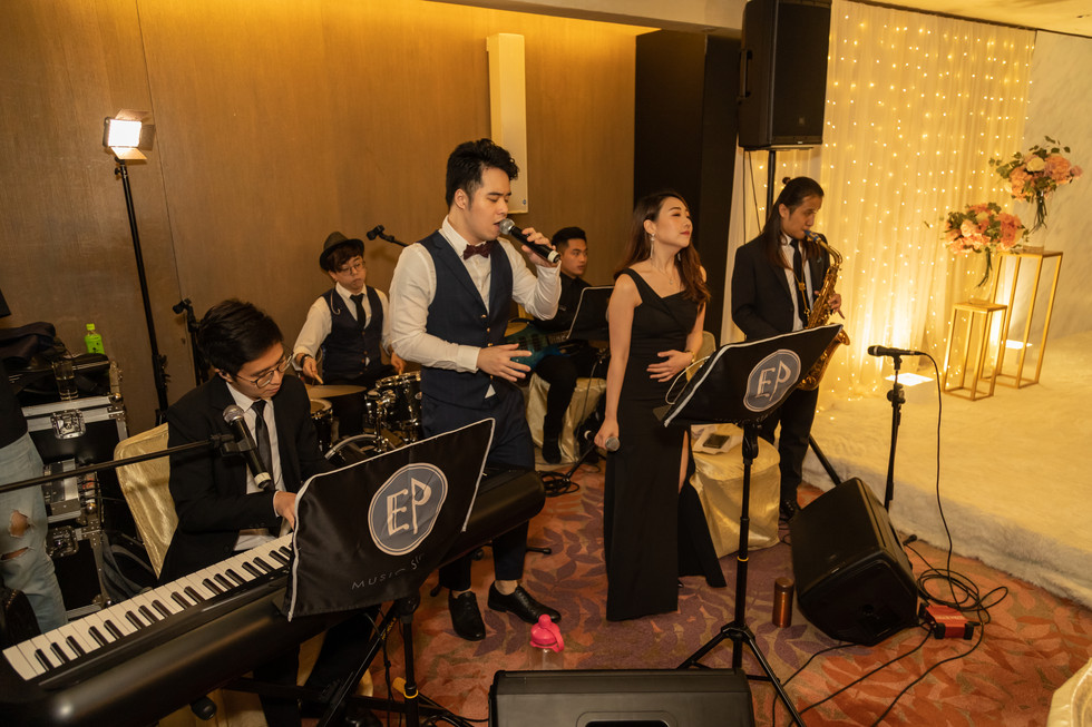 Wedding live band (4 pieces with 2 vocals)