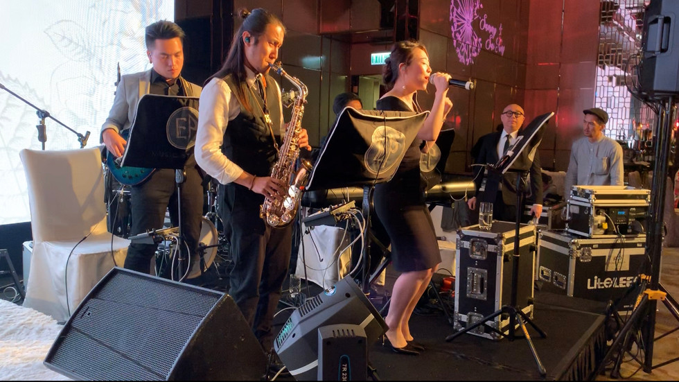 Wedding live band (4 pieces with vocal)