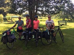 Invitées à vélo