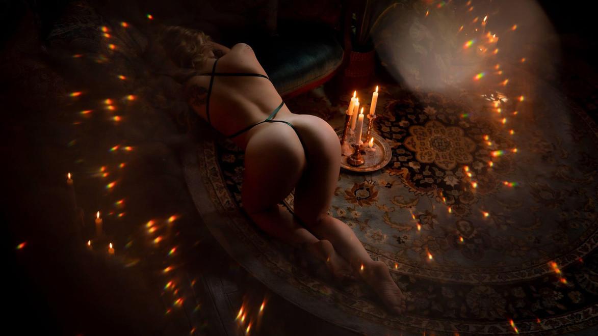 professional boudoir photographer hampton roads virginia