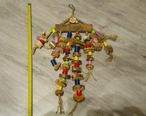 Игрушка погрызушка для попугаев