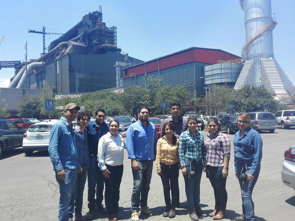 Alumnos de Ingeniería en Diseño Industrial en Ternium