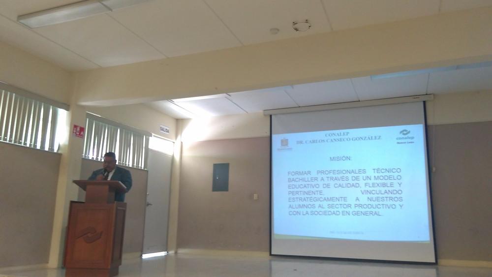 Ing. Luis Salas director de Conalep Apodaca.