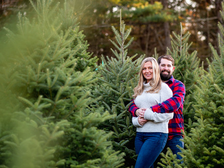 Mary & Ryan's Holiday Mini Shoot at a Saratoga Springs Christmas Tree Farm