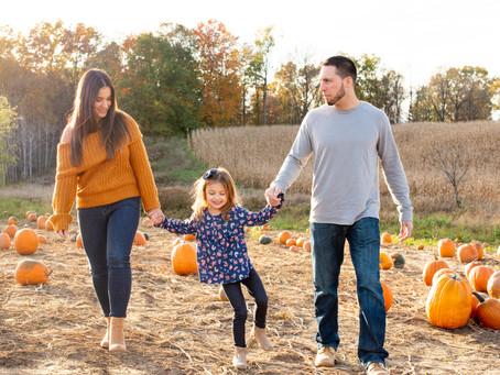 Family Mini-Session at Saratoga Apple