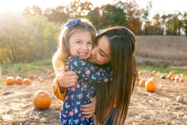 Fall Family Portrait Pumpkin Patch - Hannah Lux Photography