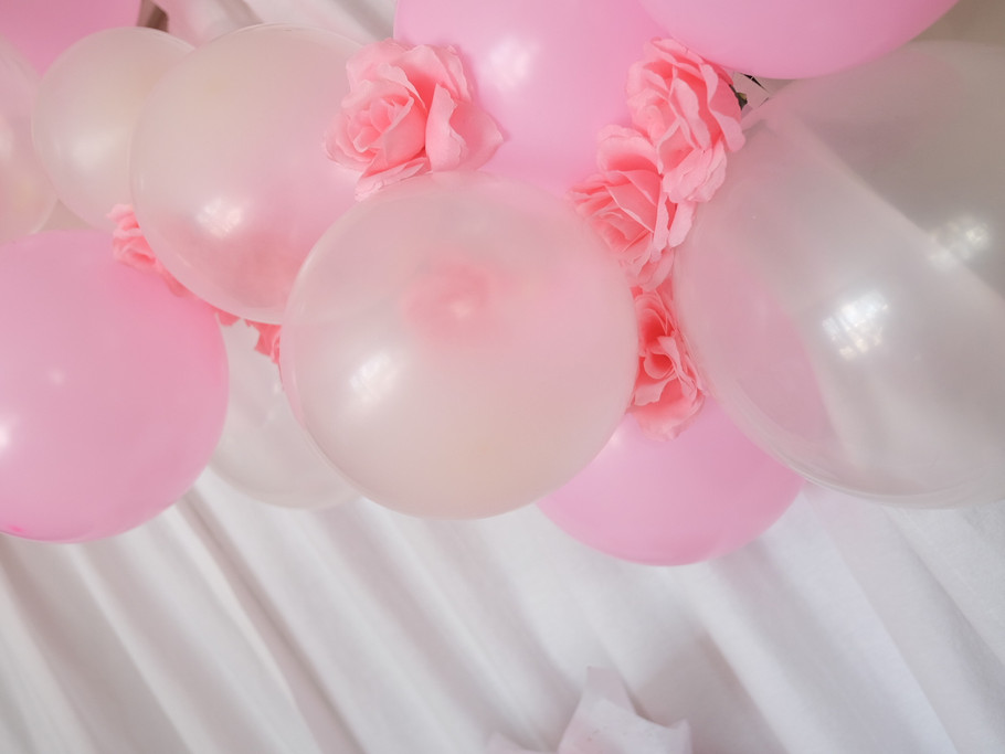 Balloon Garland with Flowers