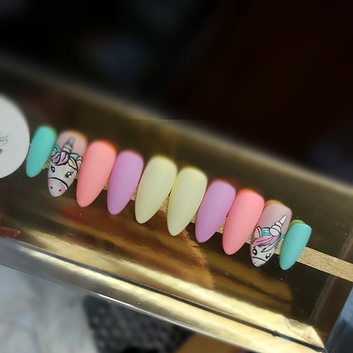 Press on Nails licorne