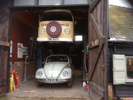 The VW Bullibarn Barn with vehicle on the ramp