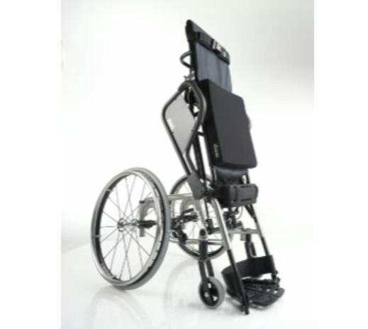 Levo LAE standing manual chair