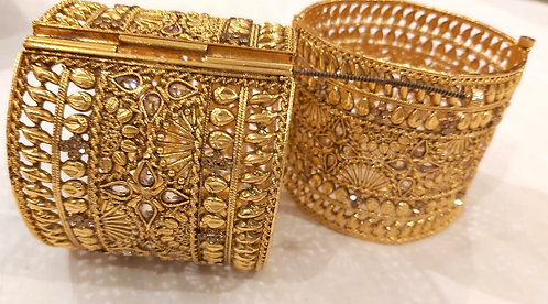 Stylish Gold Plated Heavy Bangles for women