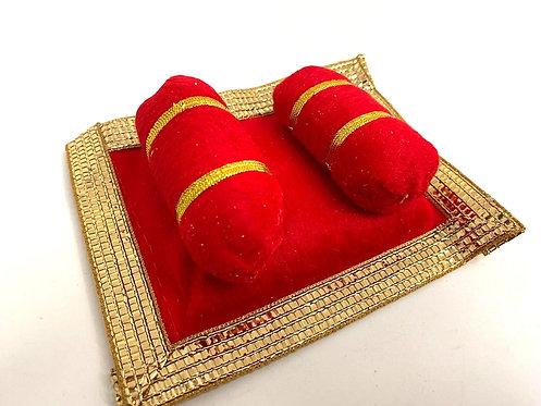 Red colour aasan for laddu gopal