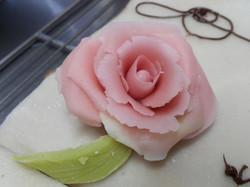 une rose faite avec délicatesse...