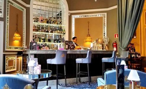Beautiful Dry cocktail bar in San Sebastian