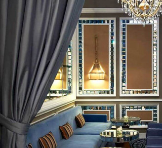 Sophisticated Dry bar in the Maria Cristina hotel