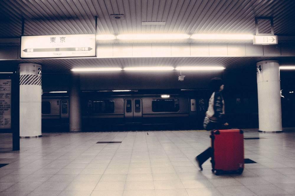 No need to lug around luggage with Takkyubin's forwarding service