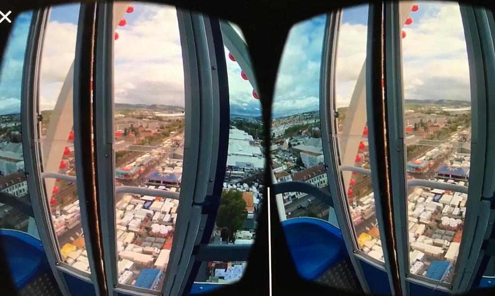 Aus einem solchen stereoskopischen Doppelbild wird in der Virtual Reality-Brille eine dreidimensionale, realistische Riesenrad-Fahrt.