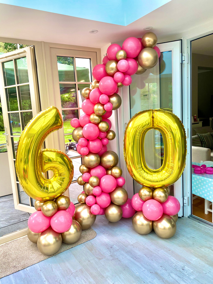 Organic balloon garland with numbers