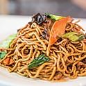 Shanghai fried noodle (vegetable & pork)