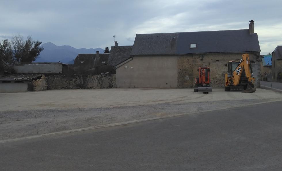 Une place de village pour Orignac