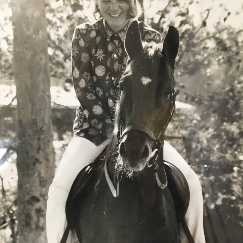 Gill on her horse_edited
