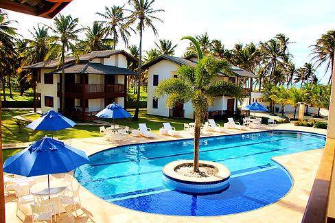 piscina%202_edited.jpg