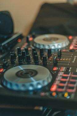 DJ YOU