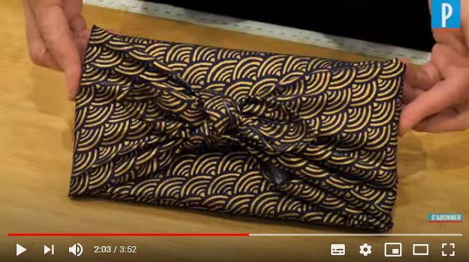 Boubou carré de soie