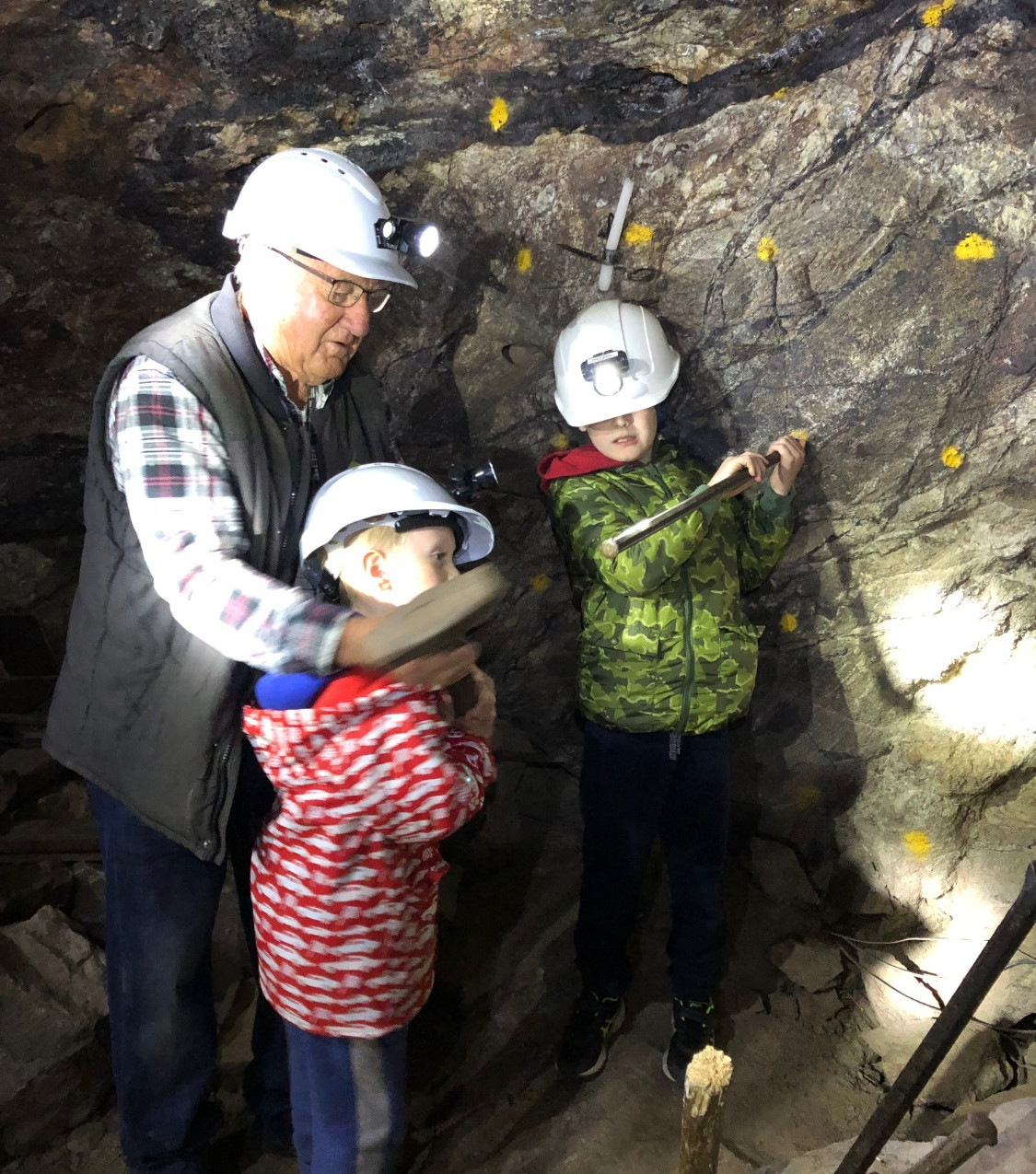 Travelling with kids mining