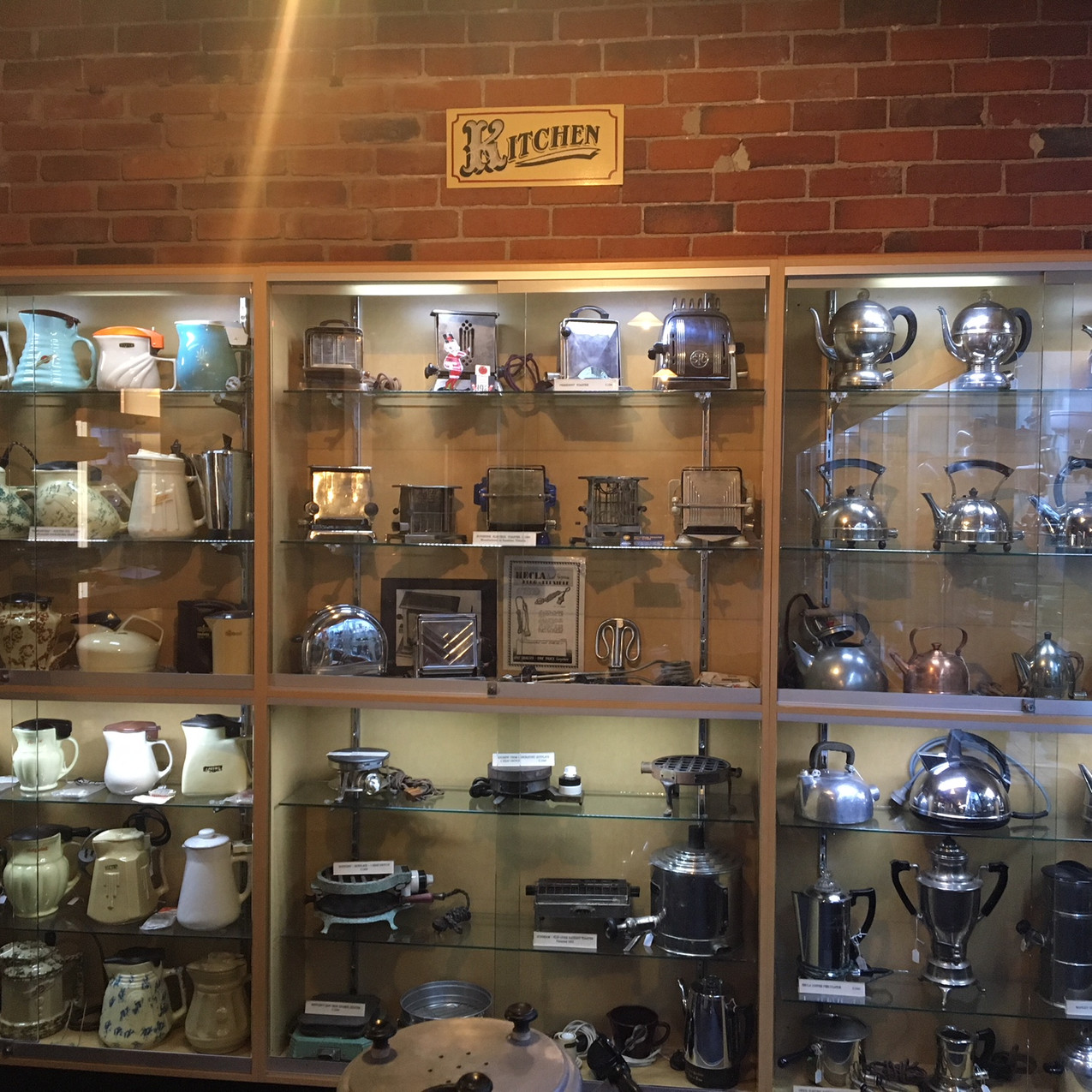 Collection of electrical goods
