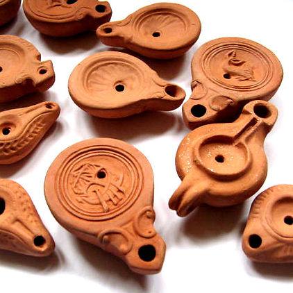 Roman oil lamps.jpg
