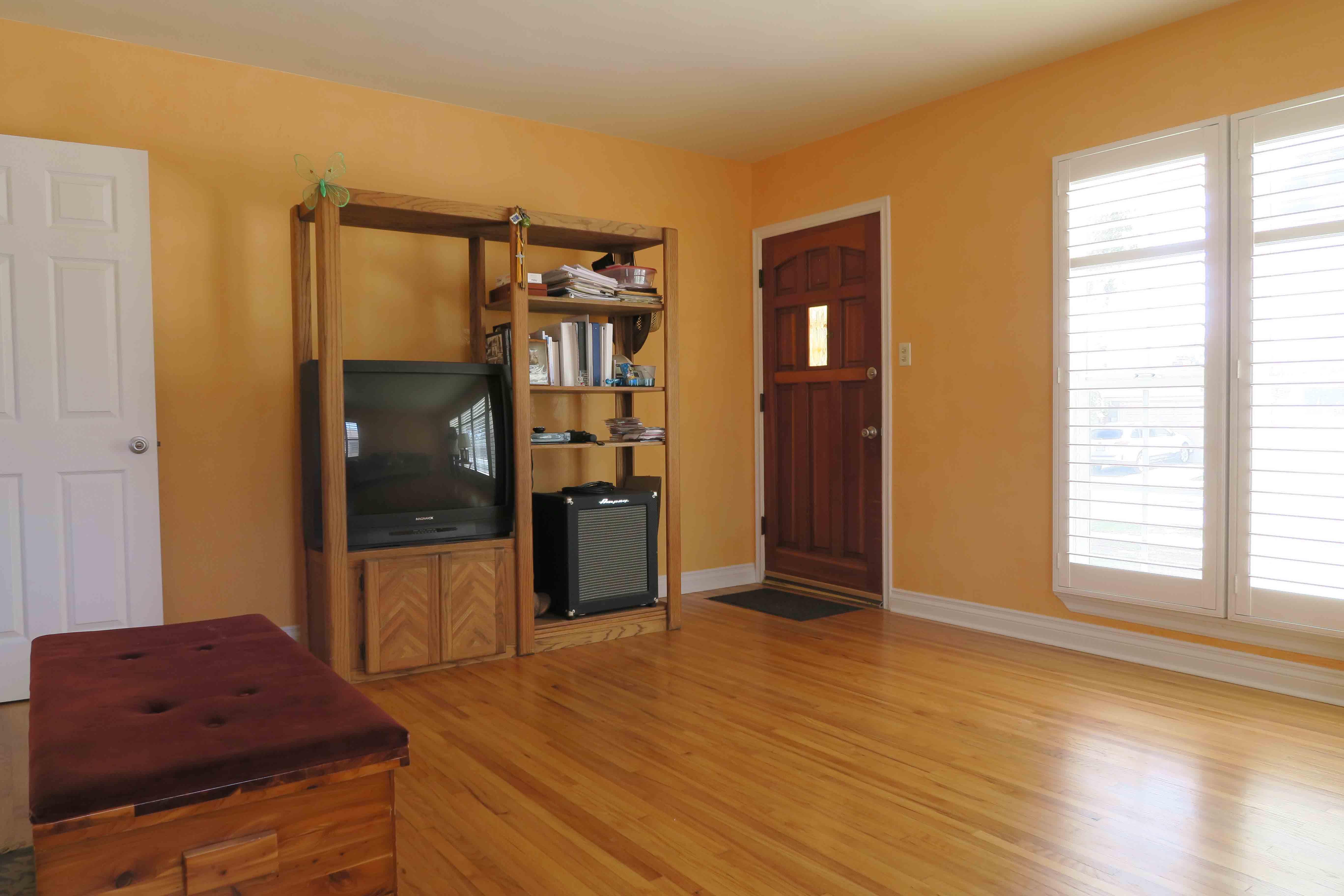 2739 Sereno - Living Room