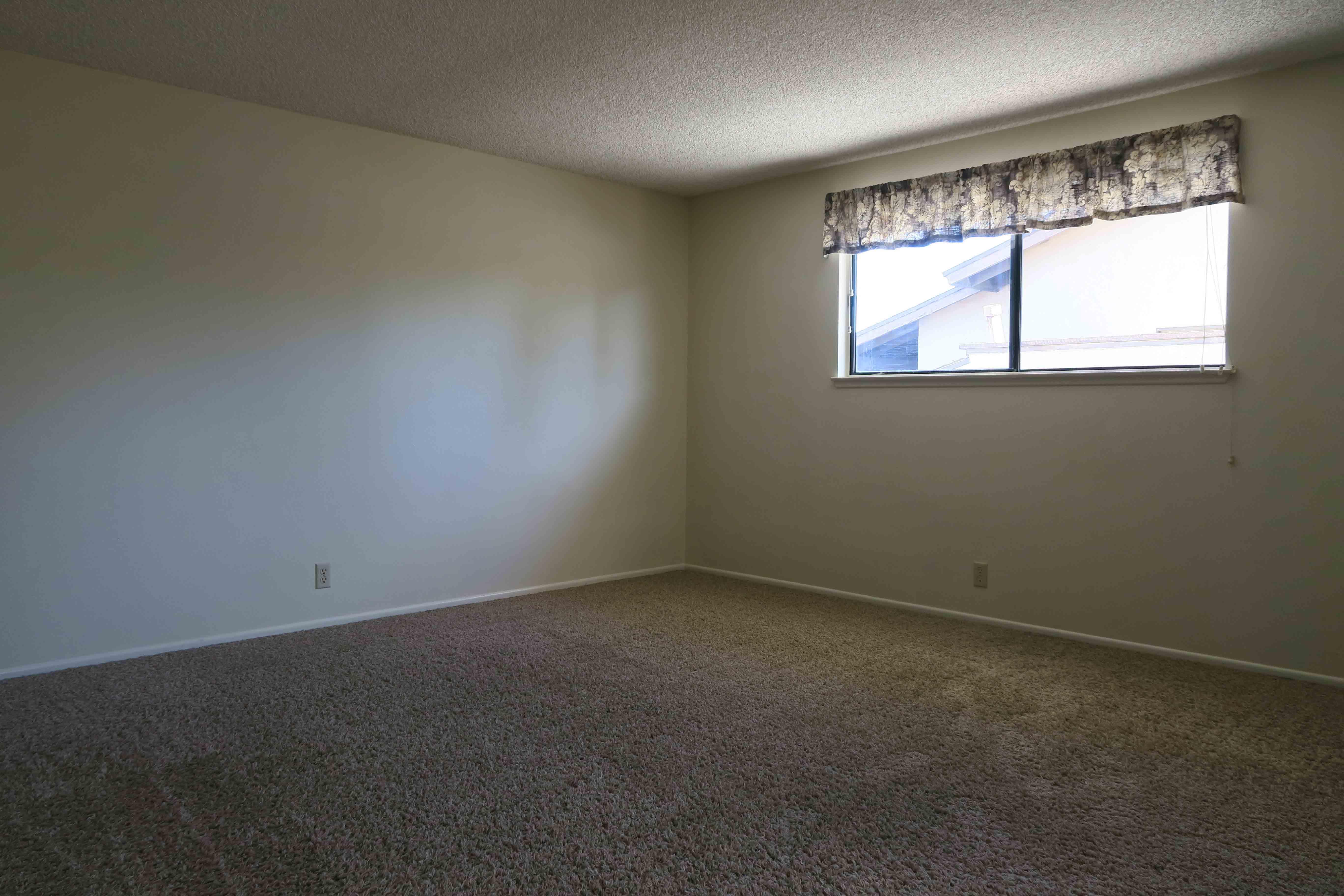 1841 Adelaide Ct, Oxnard CA 93035 Upstairs Bedroom 1