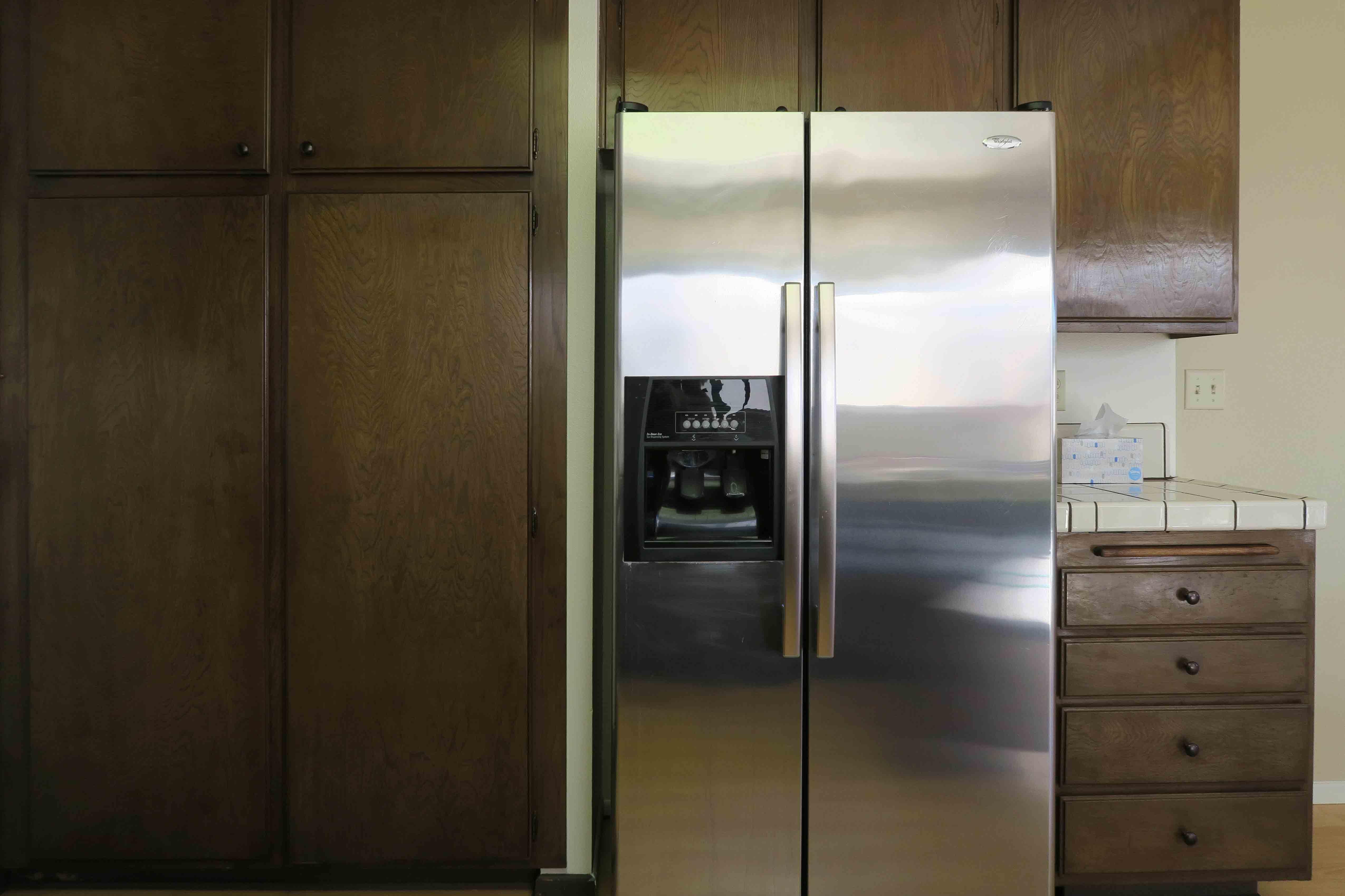 1841 Adelaide Ct, Oxnard CA 93035 Kitchen Refrigerator