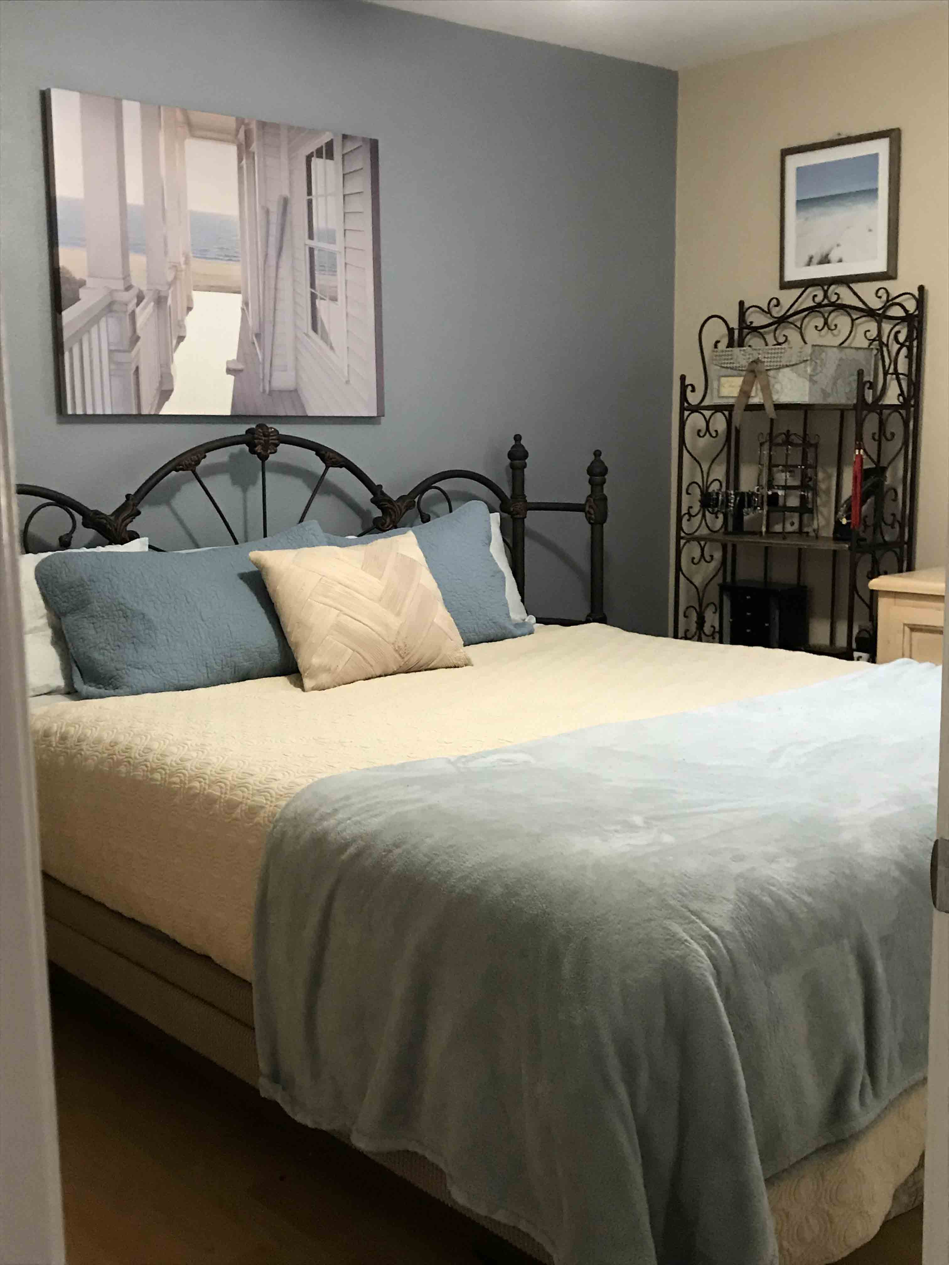 1350 Calle Crisantemo - Bedroom 1