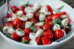 tomato boccocini spinach salad