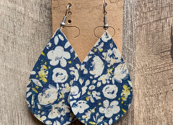 Floral leather earrinngs