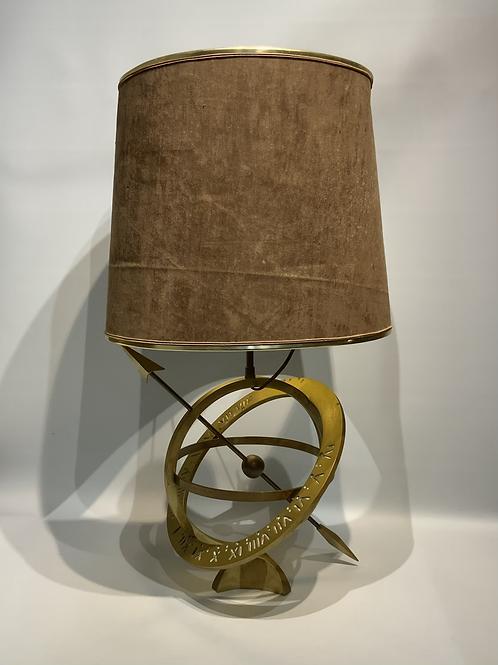 A sundial lamp in bronze.