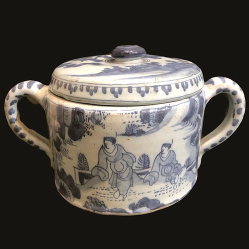 A good 18th century delft earth wear butter pot in blue and white