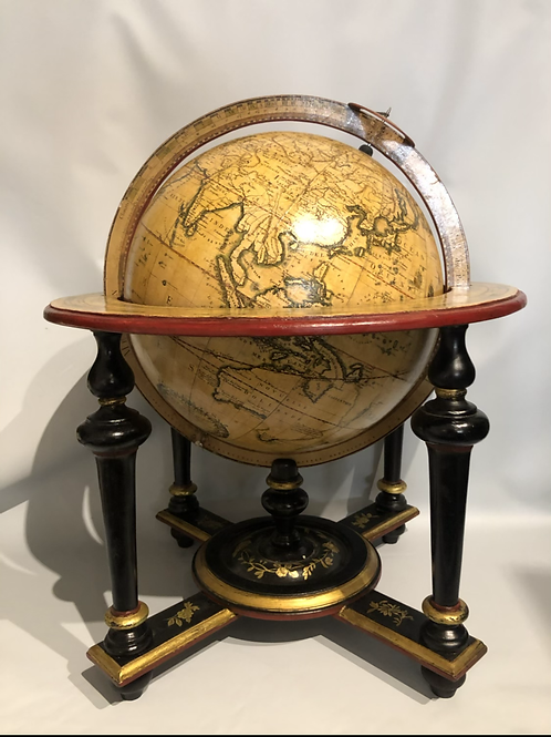 A good table globe from the XIX th century.