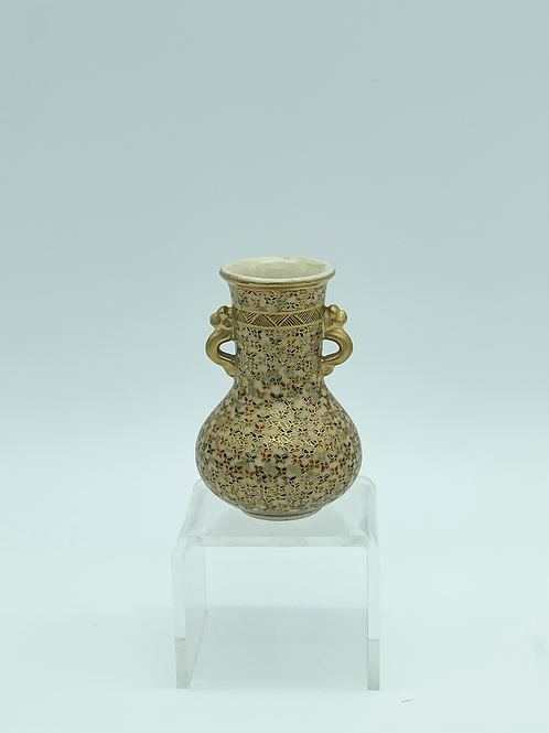 Small polychrome Satsuma vase with two handles .