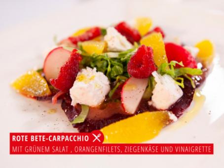 Frühjahrs-Rezept: Rote Bete-Carpacchio mit grünem Salat, Orangenfilets, Ziegenkäse und Vinaigrett