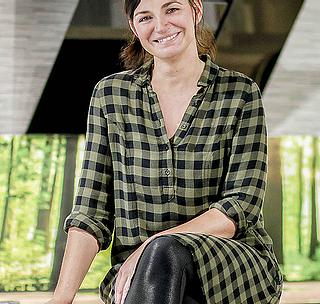 """VISBEK macht Küchentrends - Möbel Debbeler GmbH🍽👩🏻🍳 Annika Zaklika empfängt euch gerne im Küchenstudio bei Möbel Debbeler GmbH😃👍  Außerdem berichtet Annika bei www.moinzuhause.net über die neusten Küchentrends, leckere Rezeptideen, sowie Tipps rund um das Thema Küchen und Kochen - Gefällt uns!😋🍽  Möbel Debbeler GmbH feiert 8⃣9️⃣ jährigen Geburtstag🎁🎁 ➡Sichert euch unter anderem den speziellen """"24% Happy Birthday Rabatt""""!😎☝️  #möbel #debbeler #visbek #89jahre #geburtstagssause #rabatte #geschenkegeschenkegeschenke #küchentrends #moinzuhause  Am Sonntag, den 10.11.2019 von 13 - 18 Uhr, haben wir für euch geöffnet! Lichterglanz in Visbek🍂🛍🎁  Schaut also vorbei!!😃"""