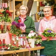 #visbekmacht Muttertag  MAMA - LIKE wenn Visbek die besten Muddis hat😃👍 Zeigt euren Muddis mit nem tollen Blumenstrauß, wie einzigartig sie ist!😍💐 Bei Westermann gibt es auch noch für Last - Minute Shopper wunderbare Sträuße und Geschenkartikel für die Liebsten💕🎁 Öffnungszeiten: Samstag von 08:00 - 17:00 Uhr. Sonntag von 09:00 - 12:00 Uhr. Schaut gerne bei Blumen Westermann vorbei😍👍
